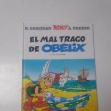 Cómics: ASTÉRIX EL MAL TRAGO DE OBÉLIX NÚMERO 30 EDITORIAL SALVAT 2001. Lote 230730665