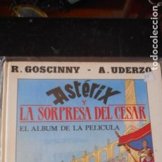 Cómics: ASTERIX Y LA SORPRESA DEL CÉSAR. Lote 235699885