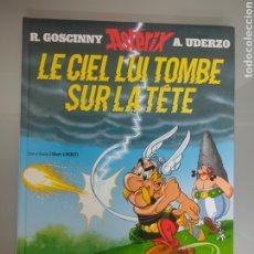 Cómics: ASTERIX 33 LE CIEL LUI TOMBE SUR LA TĒ ALBERT RENÉ. Lote 238501280