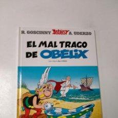 Cómics: ASTÉRIX EL MAL TRAGO DE OBÉLIX NÚMERO 30 EDITORIAL SALVAT 2001. Lote 244881855