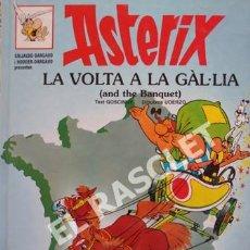 Cómics: ASTERIX - LA VOLTA A LA GÀL-LIA- CATALÁN / INGLÉS - NUMERO 6 - TAPAS DURAS. Lote 253693020
