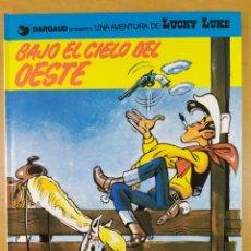 Cómics: LUCKY LUKE - BAJO EL CIELO DEL OESTE / GRIJALBO-DARGAUD. 1993. Lote 254219740