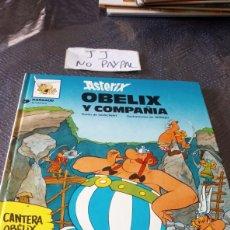 Cómics: ASTERIX OBELIX Y COMPAÑÍA 23 ALGUNA MANCHA AMARILLA EN PÁGINAS PASO DEL TIEMPO NORMAL. Lote 257966080