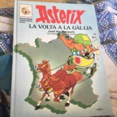 Cómics: ASTERIX LA VOLTA A LA GAL.LÍA CATALAN-INGLES. Lote 292604363