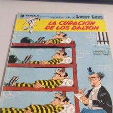 Cómics: LUCKY LUKE - JUNIOR / GRIJALBO LA CURACIÓN DE LOS DALTON REF. UR MES. Lote 293554113