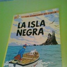 Cómics: LA ISLA NEGRA 1988 TINTIN TAPA BLANDA HERGE. Lote 128629054