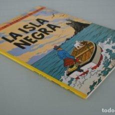 Comics: HERGÉ LAS AVENTURAS DE TINTIN: LA ISLA NEGRA – EDITORIAL JUVENTUD – LIBRO COMIC . Lote 158709910