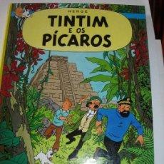 Cómics: TINTIN IDIOMAS / TINTIN / TINTIM E OS PICAROS / PORTUGUES NO COMPRAR RESERVADO KURTY. Lote 166987472