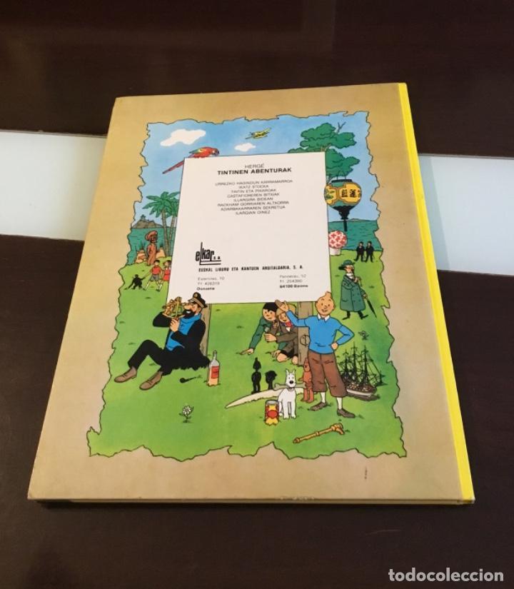 Cómics: Tintin urrezko hagindun karramarro buenisimo estado en euzkera - Foto 5 - 189992992