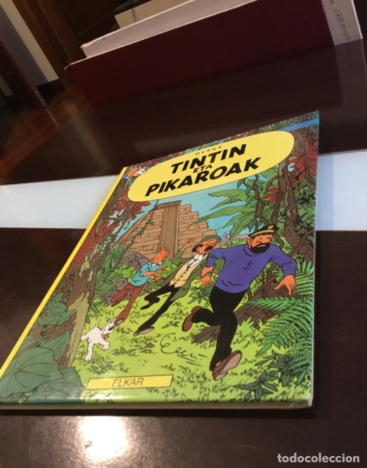 TINTIN ETA PIKAROAK BUENISIMO ESTADO EN EUSKERA (Tebeos y Comics - Juventud - Tintín)