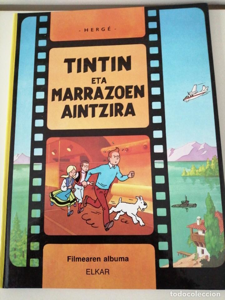 Cómics: Adarbakarraren Sekretua Marrazoen aintzira Ilargian Oinez Bidean Tintin abenturak Euskera Vasco - Foto 4 - 213233667