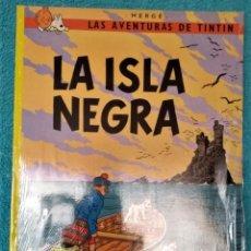 Comics: LAS AVENTURAS DE TINTÍN: LA ISLA NEGRA. HERGÉ ÁLBUMES TAPA BLANDA. JUVENTUD.. Lote 223201135