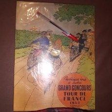 Cómics: TINTIN TOUR DE FRANCE. Lote 228945825