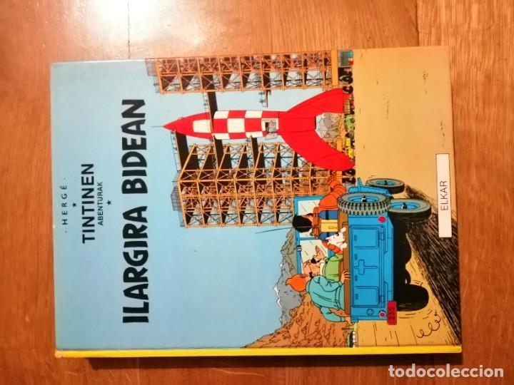 Cómics: Adarbakarraren Sekretua Marrazoen aintzira Ilargian Oinez Bidean Tintin abenturak Euskera Vasco - Foto 9 - 213233667