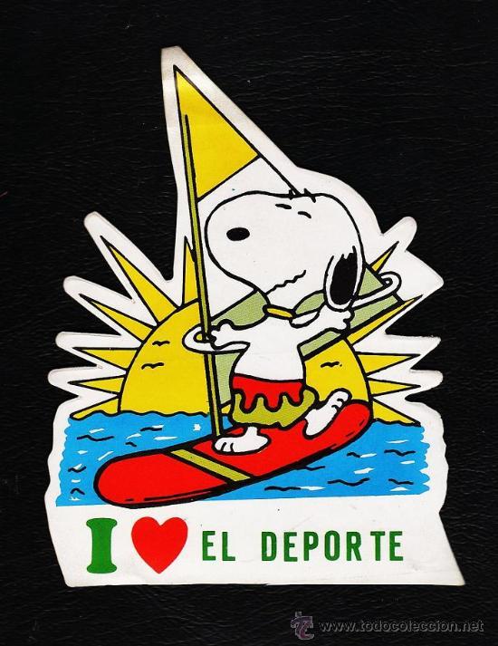 ADHESIVO / PEGATINA - COMIC - SNOOPY - YO AMO EL DEPORTE - SIN ESTRENAR - AÑOS 70 / 80 (Tebeos y Comics - Comics Merchandising)