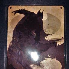 Cómics: PLACA METÁLICA BATMAN A5 EXCLUSIVA ZAVVI ZBOX. Lote 108926943
