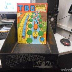Cómics: EXPOSITOR CUBETA TEBEOS COMICS DC 1979 SERIGRAFIADO SUPERMAN BATMAN, NO VISTO. Lote 111902427