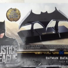 Cómics: RÉPLICA BATARANG BATMAN JUSTICE LEAGUE (NOBLE COLLECTION). Lote 171653927