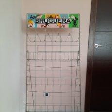 Cómics: EXPOSITOR TEBEOS BRUGUERA AQUI BRUGUERA. Lote 210962654