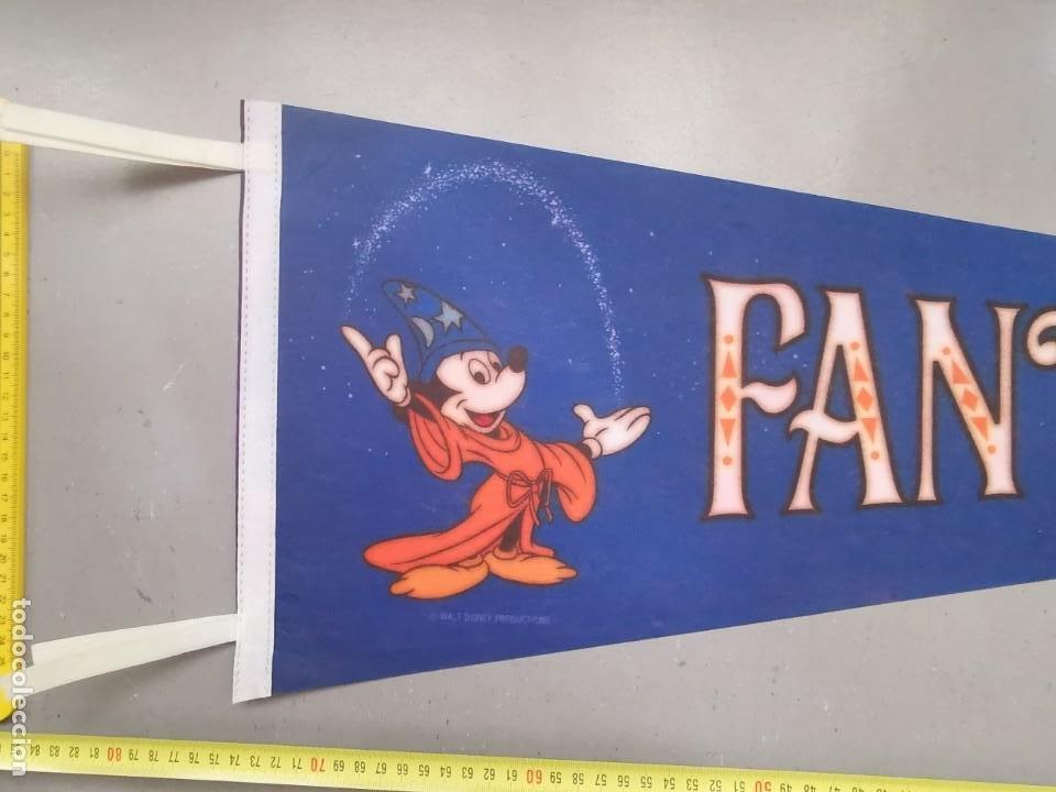 Cómics: ANTIGUO BANDERIN DISNEYLAND FANTASYLAND WALT DISNEY PRODUCTIONS TAMAÑO GIGANTE FIELTRO - Foto 2 - 212036962