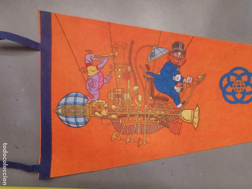 Cómics: ANTIGUO BANDERIN DISNEYLAND EPCOT CENTER WALT DISNEY PRODUCTIONS TAMAÑO GIGANTE FIELTRO - Foto 2 - 212036988