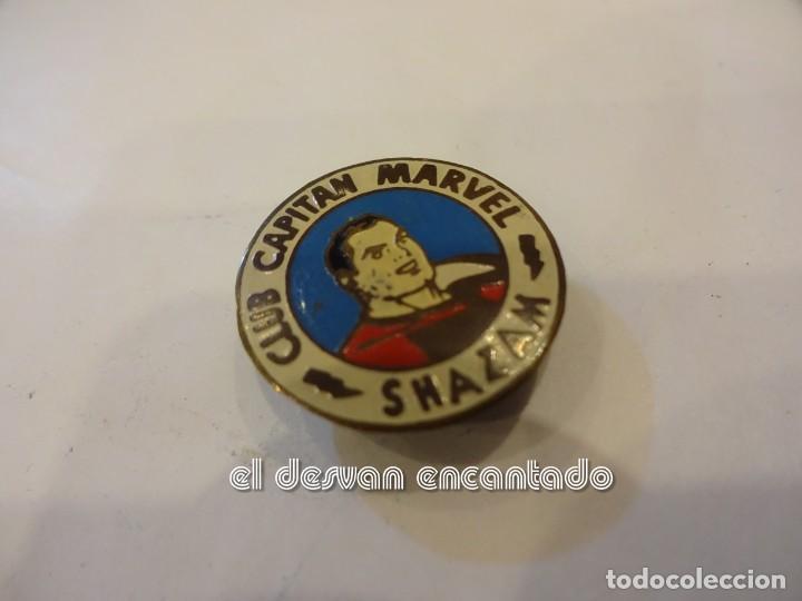 ANTIGUA INSIGNIA DE SOLAPA CLUB CAPITAN MARVEL. NOVARO? SHAZAM. (Tebeos y Comics - Comics Merchandising)