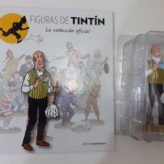 Comics: FIGURAS DE TINTIN COLECCION OFICIAL Nº 31 NESTOR CON PLUMERO + LIBRO Y PASAPORTE - PRECINTADA. Lote 287746408