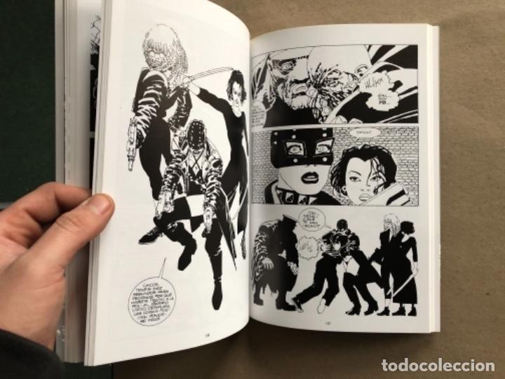 Cómics: LOTE FRANK MILLER - MORIRÍA POR ELLA, IDA Y VUELTA AL INFIERNO (2) Y SEXO & VIOLENCIA. - Foto 4 - 122137459