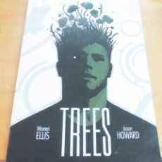 Cómics: TREES VOLUMEN 1 A SU SOMBRA WARREN ELLIS JASON HOWARD NORMA AÑO 2017. Lote 175499139