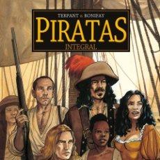 Comics: PIRATAS. INTEGRAL. PONENT MON. 240 PÁGINAS. PERFECTO ESTADO. Lote 205070376