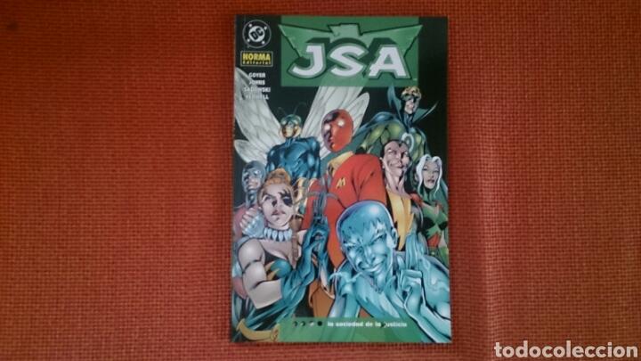 JSA LA SOCIEDAD DE LA JUSTICIA TOMO PRESTIGIO AÑO 2004 DC NORMA MUY BUEN ESTADO (Tebeos y Comics - Norma - Comic USA)