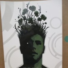 Cómics: TREES / A SU SOMBRA / WARREN ELLIS - JASON HOWARD / ED NORMA. Lote 222367298