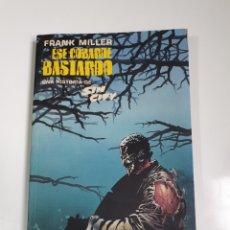 Comics : FRANK MILLER ESE COBARDE BASTARDO UNA HISTORIA DE SIN CITY, NORMA EDITORIAL, FORMATO LIBRO 6 CAPÍTUL. Lote 230017830