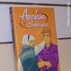 Cómics: ARCHIE Y SABRINA VOLUMEN 2 TOMO CARTONÉ - NORMA OFERTA. Lote 294036448