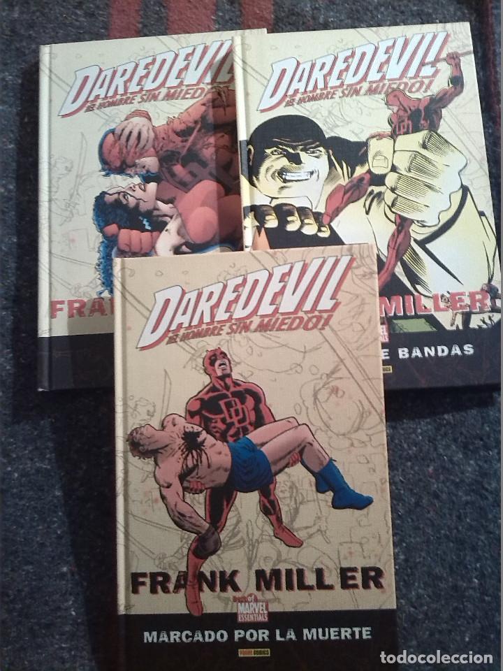 LOTE DE 3 TOMOS DAREDEVIL DE FRANK MILLER - MARCADO POR LA MUERTE, GUERRA DE BANDAS Y ELEKTRA (Tebeos y Comics - Panini - Marvel Comic)
