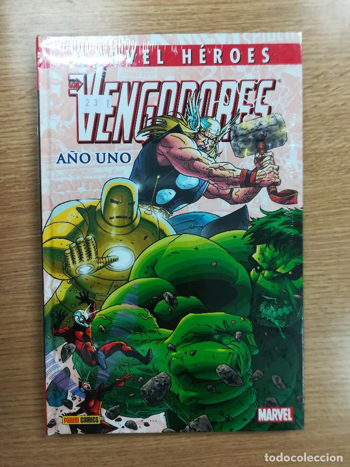 VENGADORES AÑO UNO (MARVEL HEROES COLECCIONABLE #40) (Tebeos y Comics - Panini - Marvel Comic)