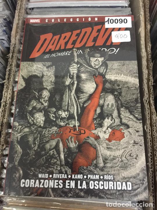 COLECCION 100% MARVEL DAREDEVIL - CORAZONES EN LA OSCURIDAD BUEN ESTADO (Tebeos y Comics - Panini - Marvel Comic)