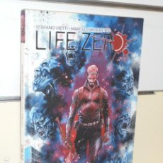 Comics: LIFE ZERO - PANINI OFERTA. Lote 266076013