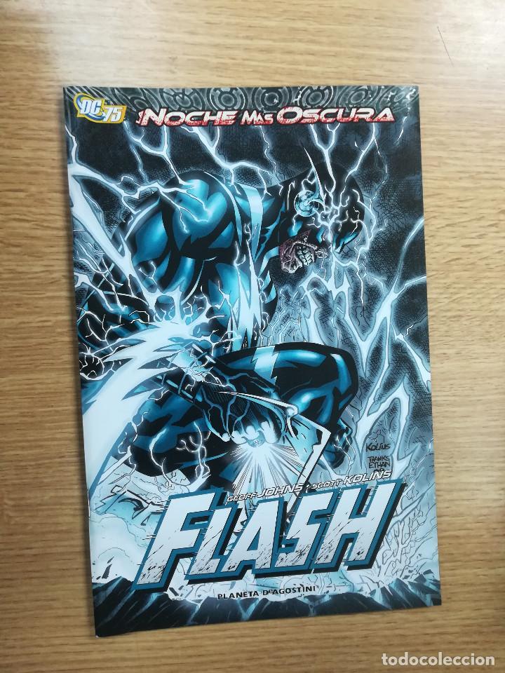 FLASH LA NOCHE MAS OSCURA (Tebeos y Comics - Planeta)