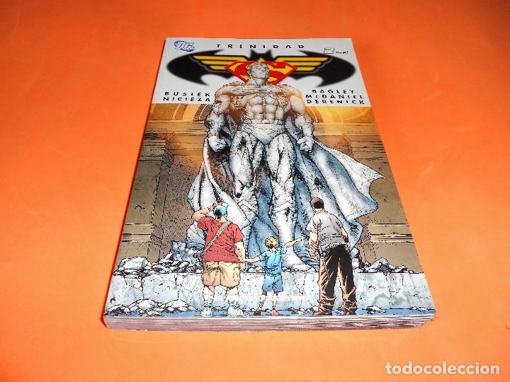 SUPERMAN. TRINIDAD. DOS DE TRES. KURT BUSIEK. EXCELENTE ESTADO (Tebeos y Comics - Planeta)