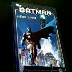 Cómics: EXCELENTE ESTADO BATMAN AÑO UNO 1 COMICS PLANETA TOMO TAPA DURA. Lote 235917040