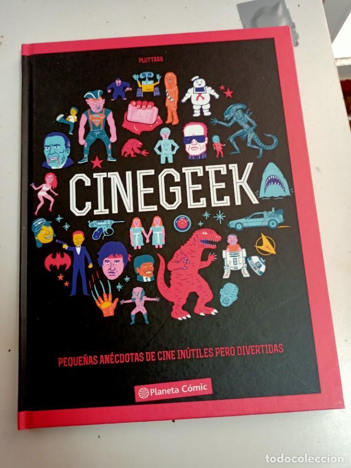 X CINEGEEK. PEQUEÑAS ANECDOTAS DE CINE INUTILES PERO DIVERTIDAS, DE PLUTTARK (PLANETA) (Tebeos y Comics - Planeta)