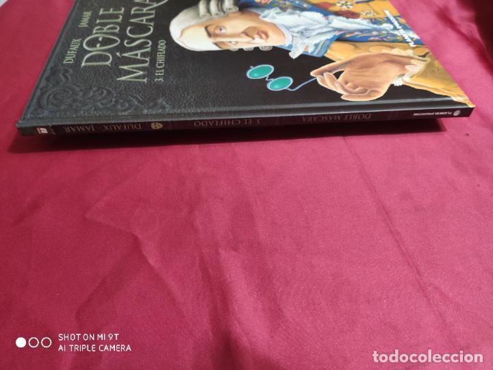 Cómics: DOBLE MASCARA . 3. EL CHIFLADO. DUFAUX. PLANETA - Foto 3 - 262327845