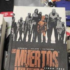 Cómics: LOS MUERTOS VIVIENTES - INTEGRAL LIBRO 3 (KIRKMAN, MOORE) TRES. Lote 297016903