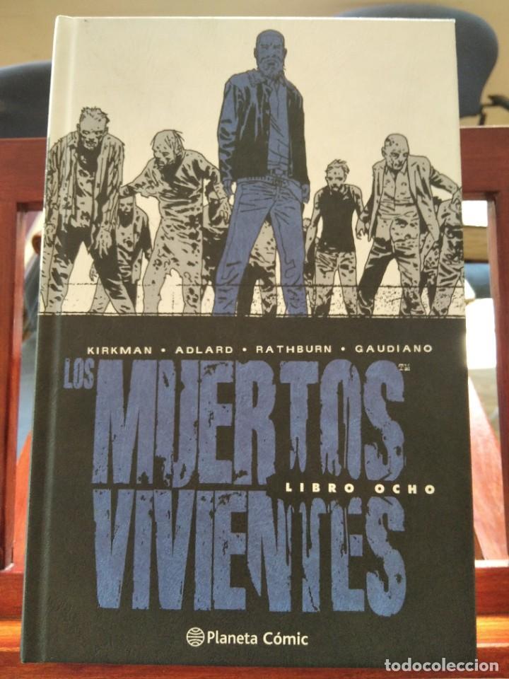 LOS MUERTOS VIVIENTES LIBRO OCHO-KIRKMAN-ADLARD-RATHBURN-GAUDIANO-PLANETA COMIC-COMO NUEVO (Tebeos y Comics - Planeta)