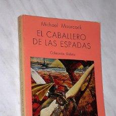 Cómics: CORUM: EL CABALLERO DE LAS ESPADAS. MICHAEL MOORCOCK. PORTADA MOEBIUS. COL. DELÍRIO 1. ARELLANO. +++. Lote 109405979