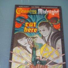 Cómics: CROSSING MIDNIGHT. CUT HERE - MIKE CAREY. EN INGLÉS.. Lote 40892433