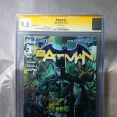 Cómics: COMIC USA BATMAN 1 2011 VARIANT CGC 9.8 WHITE PAGES. SIGNED CAPULLO. DC COMICS.. Lote 166574330