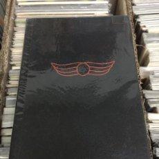 Cómics: DC ADAM STRANGE ARCHIVES VOLUMEN 1 SIN SOBRECUBIERTA BUEN ESTADO. Lote 201254796