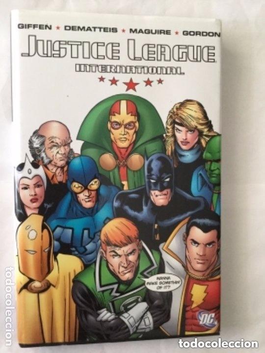 JUSTICE LEAGUE - TAPA DURA -186 PÁGINAS - 24,99 DOLARS USA- VOLUME ONE (Tebeos y Comics - Comics Lengua Extranjera - Comics USA)